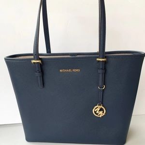 Michael Kors Jet Set Carryall Tote